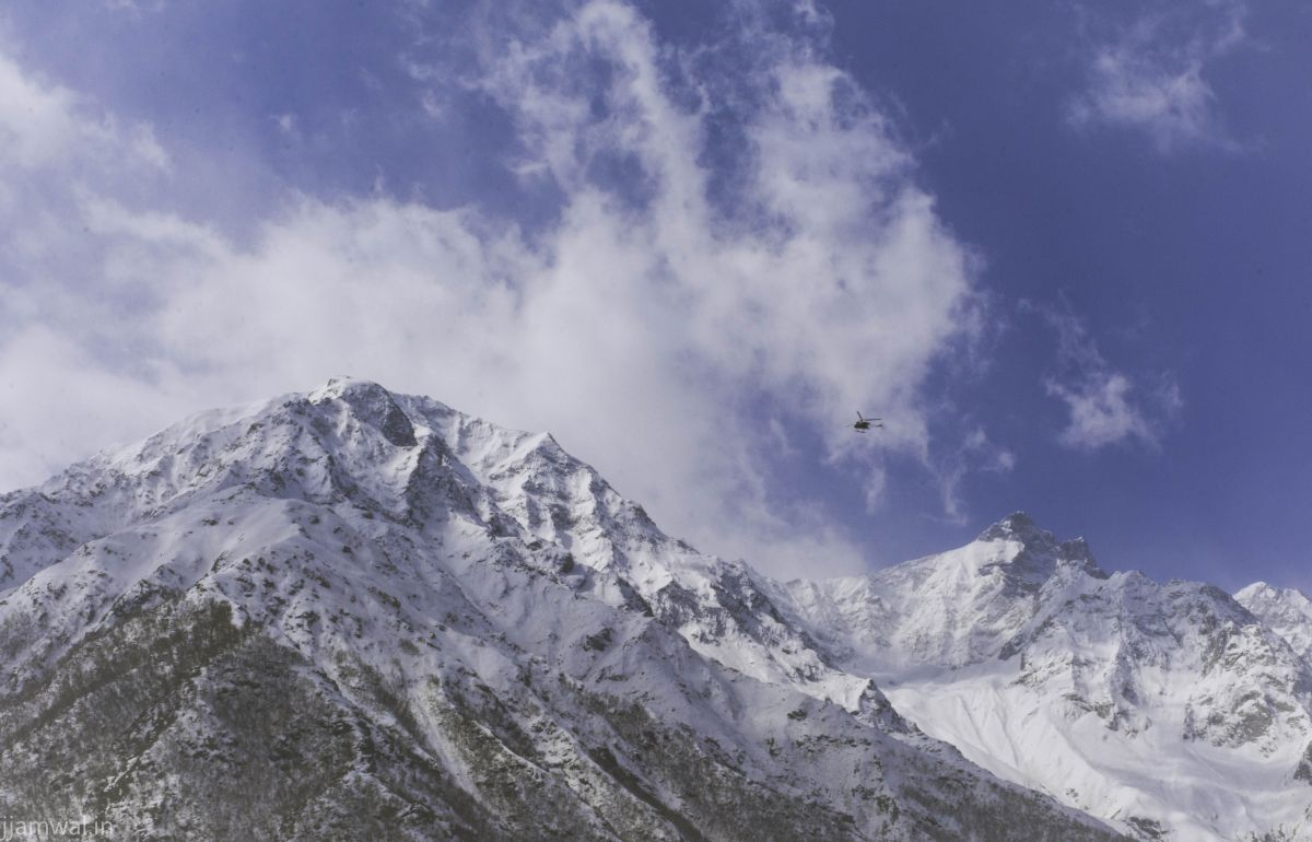 Cheetah helicopter flying in Himalayas